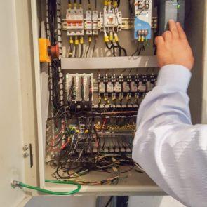 mantenimientos-correctivos-1-576x1024